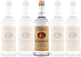 Tito's-Handmade-Vodka-wins-Duty-Free-accolade-PRESS-RELEASE